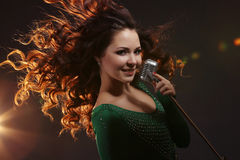 Das singende Mädchen Lizenzfreie Stockfotografie