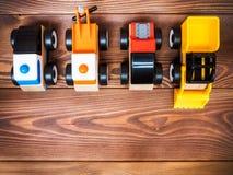 Das Spielzeug der Kinder auf dem Boden Stockbild