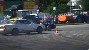 Das Sportauto treibt in der Zeitlupe Stockbilder