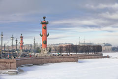 Das Spucken von Vasilyevsky Island in St Petersburg im Winter Stockfotos