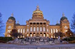Staat Iowas-Kapitol-Gebäude am Sonnenuntergang Stockfotografie