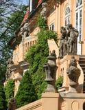 das statuarische auf dem Treppenhaus Lizenzfreie Stockfotos