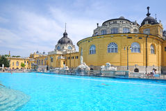 Das Szechenyi Bad in Budapest Stockbilder