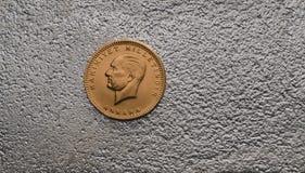 Das Türkische Kurush Ataturk Gold Coin auf Silber Stockbilder