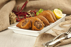 Das Türkische-Ramadan Food-icli kofte (Fleischklöschen) Falafel Lizenzfreie Stockbilder