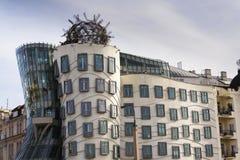 Das Tanzen-Haus, mit einem Spitznamen belegt Fred und Ingwer, abgeschlossen im Jahre 1996 für Nationale-Nederlanden von Vlado Mil Lizenzfreies Stockbild
