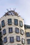 Das Tanzen-Haus, mit einem Spitznamen belegt Fred und Ingwer, abgeschlossen im Jahre 1996 für Nationale-Nederlanden von Vlado Mil Stockbild