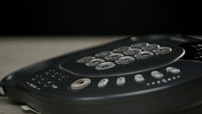 Das Telefon aufheben stock video footage