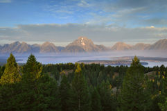 Das Tetons am Sonnenaufgang Stockfotos