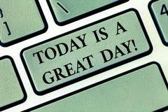 Das Textzeichen, das heute darstellt, ist ein großer Tag E stockbild