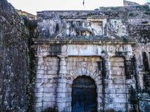 Das Tor mit dem Löwe in der neuen Festung von Korfu Lizenzfreie Stockbilder