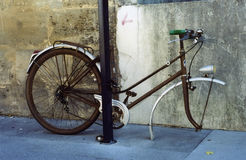 Das traurige Fahrrad stockbilder