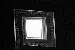 Das Treppenhaus oben schauen Lizenzfreies Stockbild