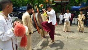 Das Trommeln der thailändischen Nordleute nannte das Trommeln Stockbilder