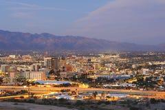 Das Tucson-Stadtzentrum an der Dämmerung Lizenzfreies Stockfoto