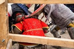 Das Turnieren kämpft Festival mittelalterlichen Kultur Vorpostens 2016 in Kamenetz-Podolsk Lizenzfreies Stockfoto