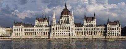 Das ungarische Parlament in Budapest Stockfoto
