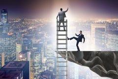 Das unmoralische Wettbewerbskonzept des Geschäfts mit Geschäftsmännern lizenzfreies stockbild