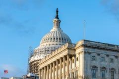 Das US-Höchste Gericht in Washington, Gleichstrom S Kapitol-Gebäude während des Hauben-Wiederherstellungs-Projektes Stockbilder
