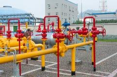 Das Ventil auf der Erdgasleitung Stockbilder