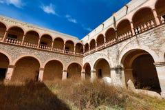 Das verlassene Gebäude von jaral de Berrio Mexiko stockbild