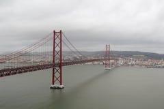 Das 25. von April-Brücke, Lissabon Stockbild