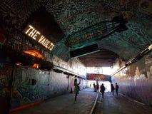 Das Wölbungstheater im leake Straßentunnel Stockbild