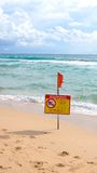 Das Warnen, schwimmen nicht Stockfotografie