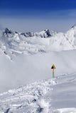 Das Warnen singen auf Schneesteigung Lizenzfreie Stockfotos