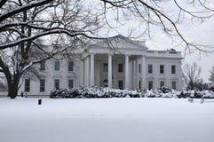Das Weiße Haus im Schnee. Stockbild