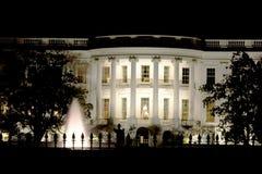 Das Weiße Haus nachts Lizenzfreie Stockfotografie
