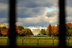 Das Weiße Haus vor Regensturm Stockbilder