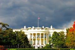 Das Weiße Haus während des Sturms Lizenzfreies Stockfoto
