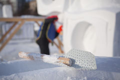 Das Werkzeug für Bau von Schneeskulpturen Stockfoto
