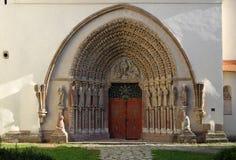 Das Westportal des Klosters von Porta Coeli stockbild