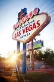 Das Willkommen zum fabelhaften Las- Vegaszeichen auf Las Vega Stockbild