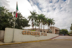 Das Willkommensschild in Chichen Itza nahe Cancun in Mexiko Lizenzfreie Stockbilder