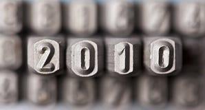 Das Wort 2010, das durch Zeichen ausgebreitet worden ist Stockfotografie