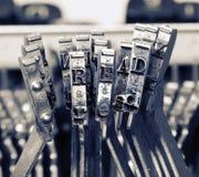 Das Wort GELESEN mit alten Schreibmaschinenhämmern lizenzfreie stockfotos