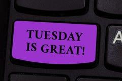 Das Wort, das Text Dienstag schreibt, ist groß Geschäftskonzept für ausgezeichneter zweiter Wochentag gute Routineinspiration stockfoto