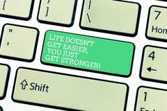 Das Wort, das Text Leben Doesn T schreibt, erhalten Sie erhalten gerade stärker einfacher Geschäftskonzept, damit Inspiration geh lizenzfreie stockfotos
