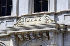 Das Zeichen von einer Bank Lizenzfreie Stockfotografie