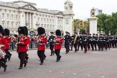 Das zeremonielle Ändern des Londons schützt, London, Vereinigtes Königreich stockfotografie