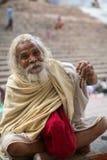 Dashashwamedh的Ghat Sadhu圣洁者是瓦腊纳西主要和大概最旧的ghat  免版税库存照片