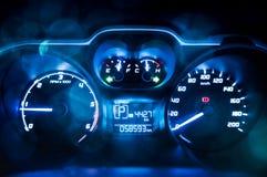 dashboard скорость метра автомобиля близкая вверх стоковые фото