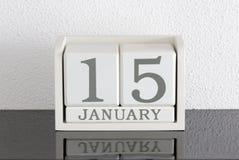 Data bianca 15 del presente del calendario di blocco e mese gennaio Fotografia Stock Libera da Diritti