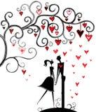Data romantica sotto l'albero di amore. Fotografia Stock Libera da Diritti