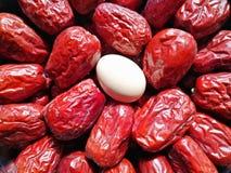 Data vermelha - fruto do jujuba - grande como o ovo imagens de stock royalty free