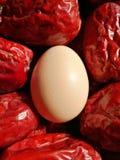Data vermelha grande - fruto do jujuba - com eeg fotos de stock royalty free