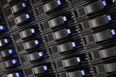 Datacenter avec les unités de disque dur Photographie stock libre de droits